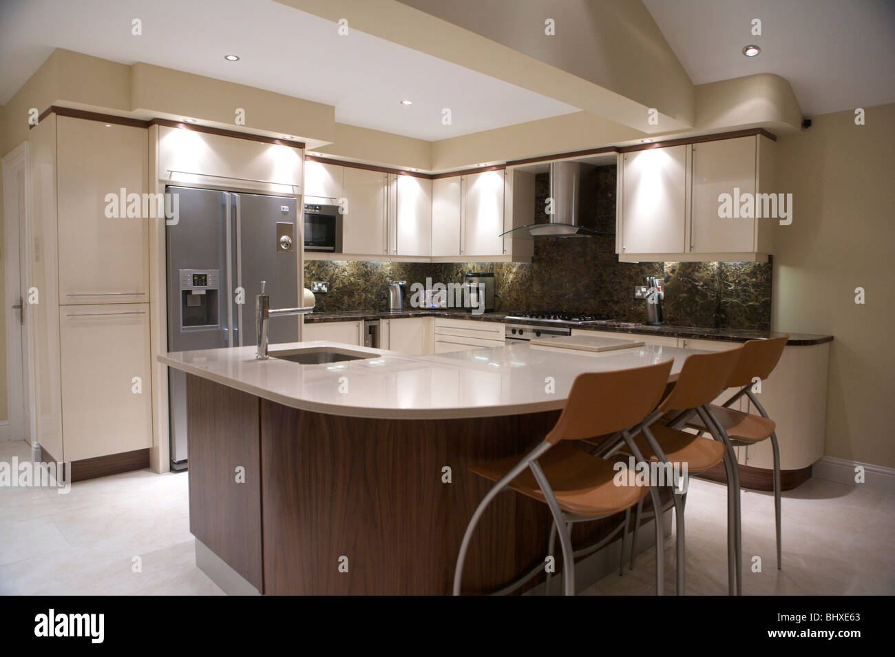 Contemporary Modern Kitchen Marble Cream And Modern Units