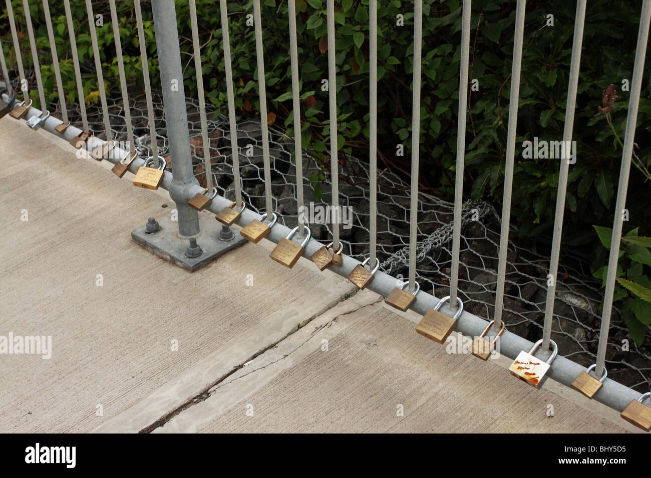 Padlocks left on the Sea Cliff Bridge, Grand Pacific Drive south of Sydney Stock Photo