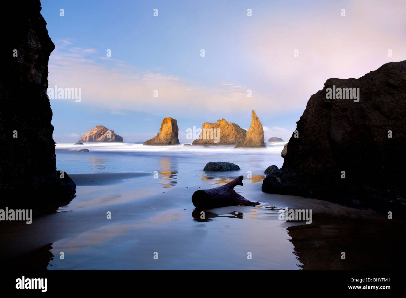 Low tide and sunrise at Bandon beach. Oregon - Stock Image