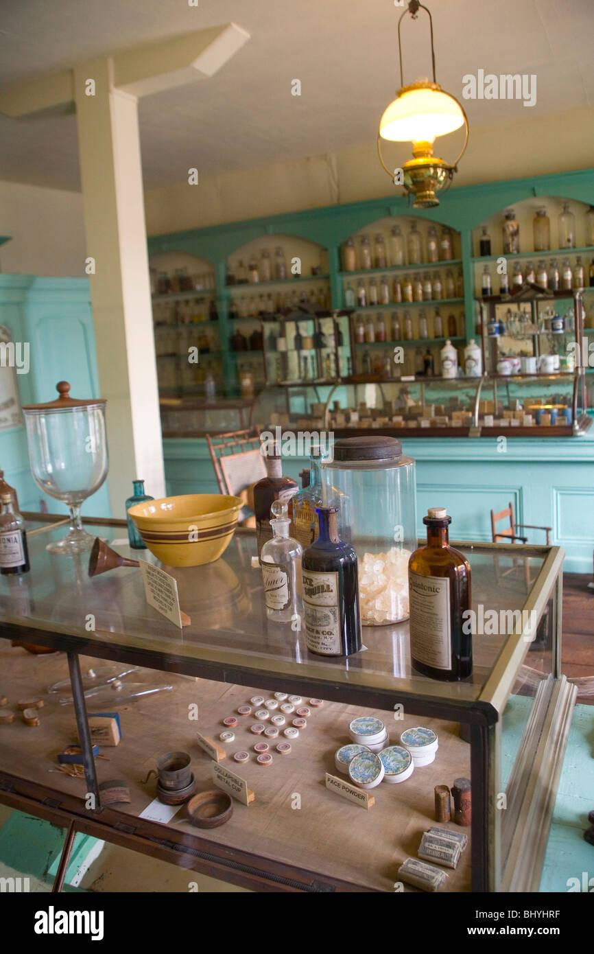 Grant's Drug Store - Pilaster House - Stock Image