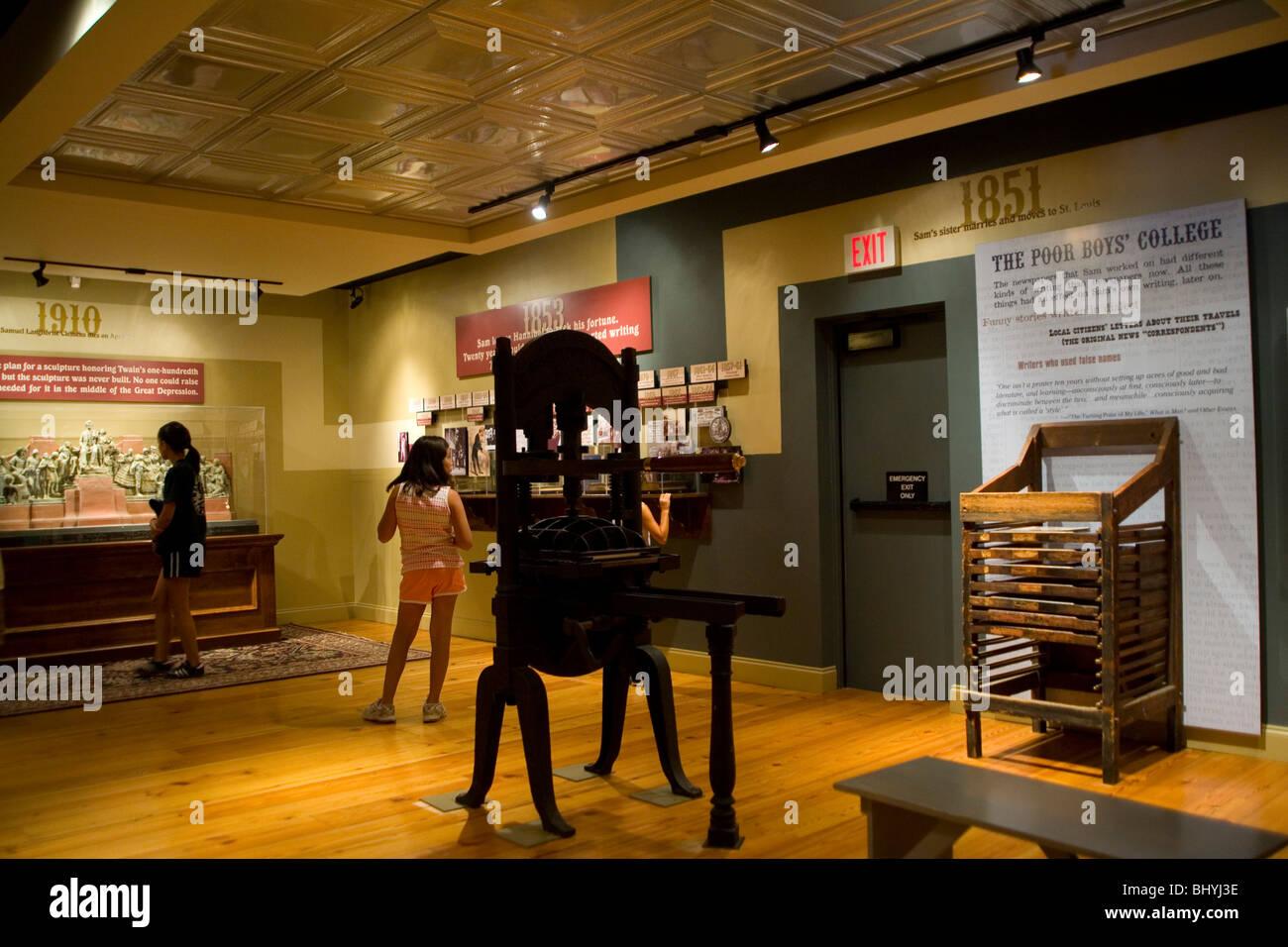 Mark Twain Interpretive Center in Hannibal, MO Missouri - Stock Image
