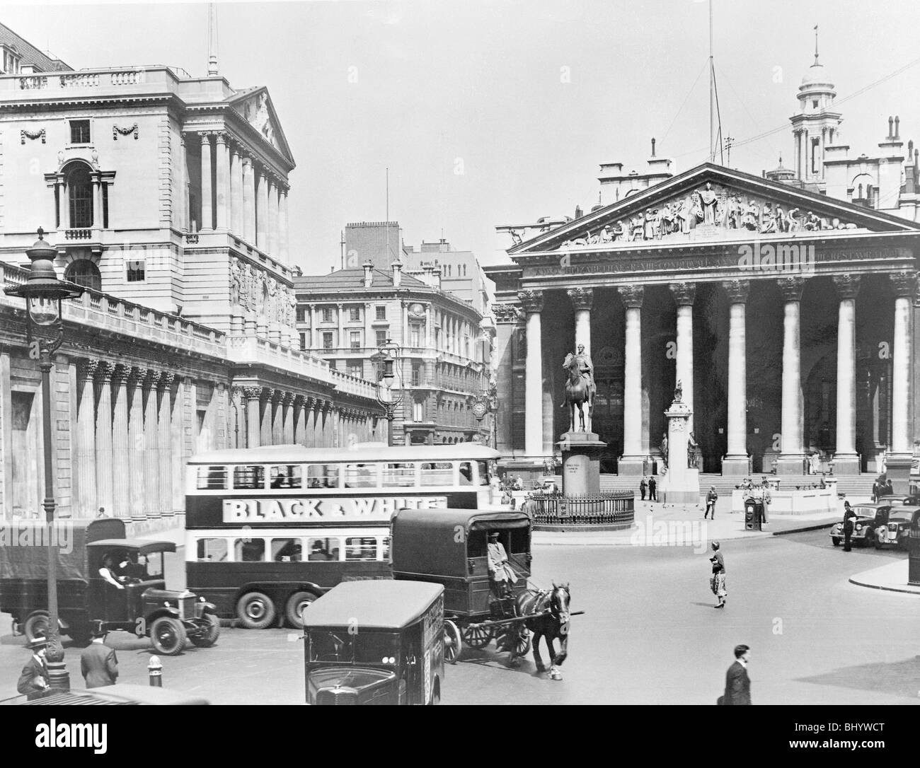 Bank of England and Royal Exchange, City of London. Artist: John H Stone Stock Photo