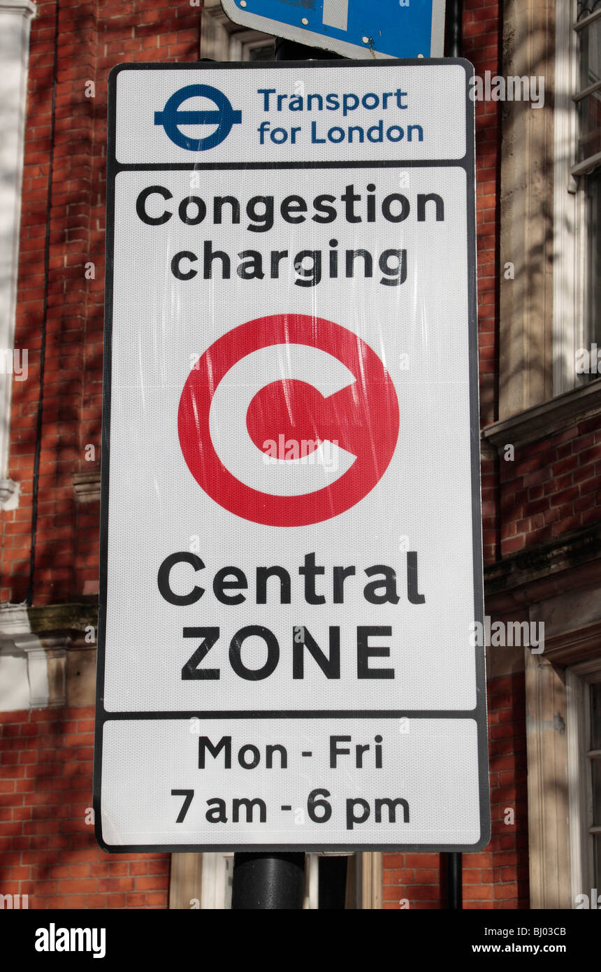 A road sign signifies the edge of the London congestion charge, Chelsea, London. Nov 2009 - Stock Image