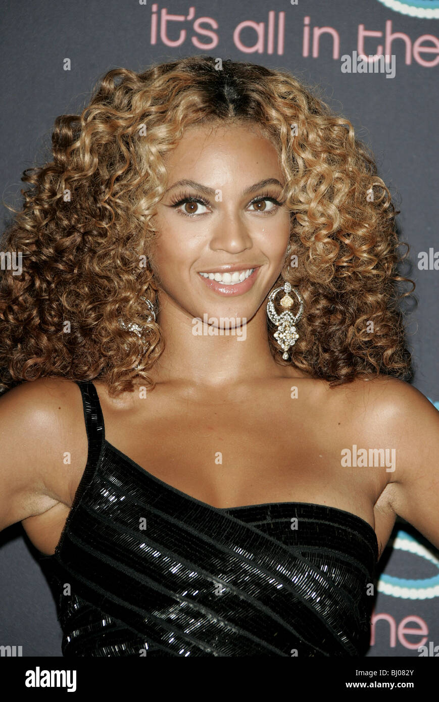 women-with-beyonce-hairy-armpits-pictures