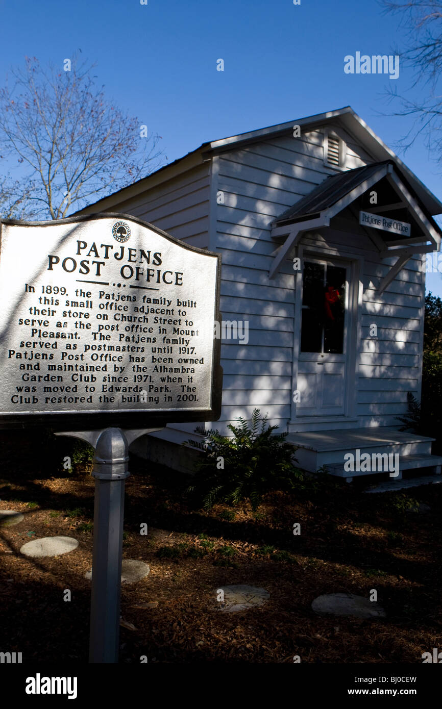Patjens Post Office- The Patjens family built a small office adjacent to the store on Church Street to serve as - Stock Image