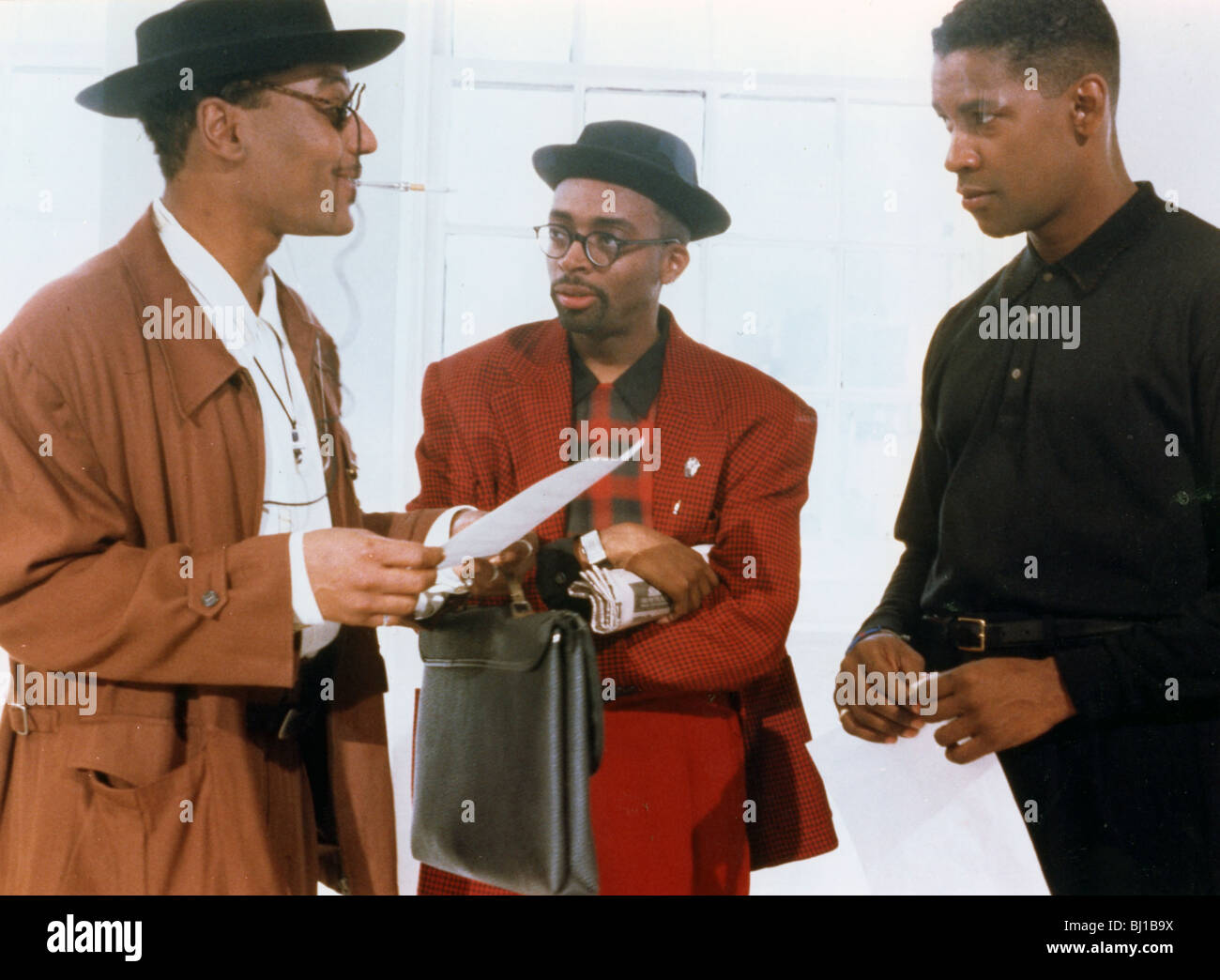 MO' BETTER BLUES - 1990 UIP/40 Acres film with  from l: Wesley Snipes,Spike Lee  and Denzel Washington - Stock Image