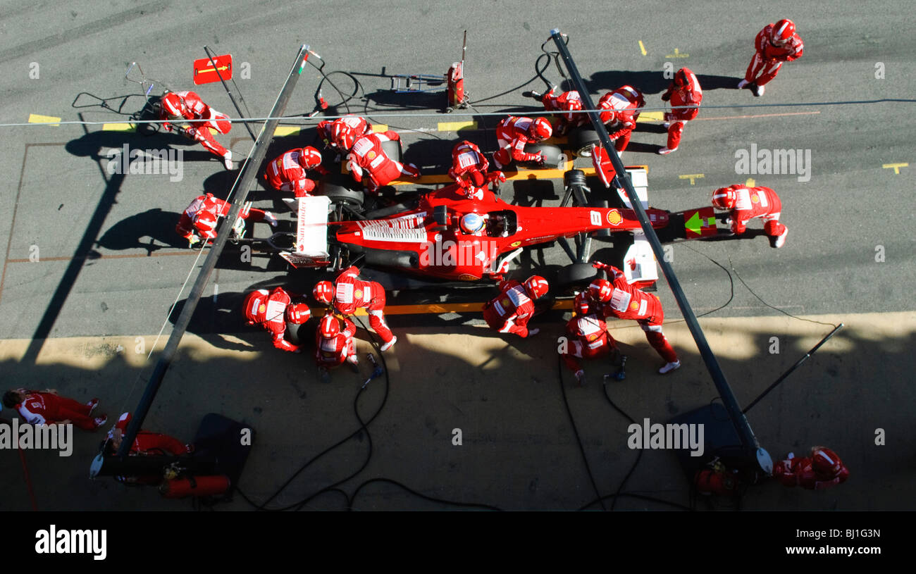 Circuito Fernando Alonso : Fernando alonso esp in the ferrari f10 race car during formula 1