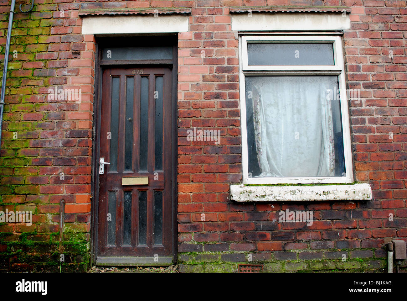 Derelict Terraced House. - Stock Image