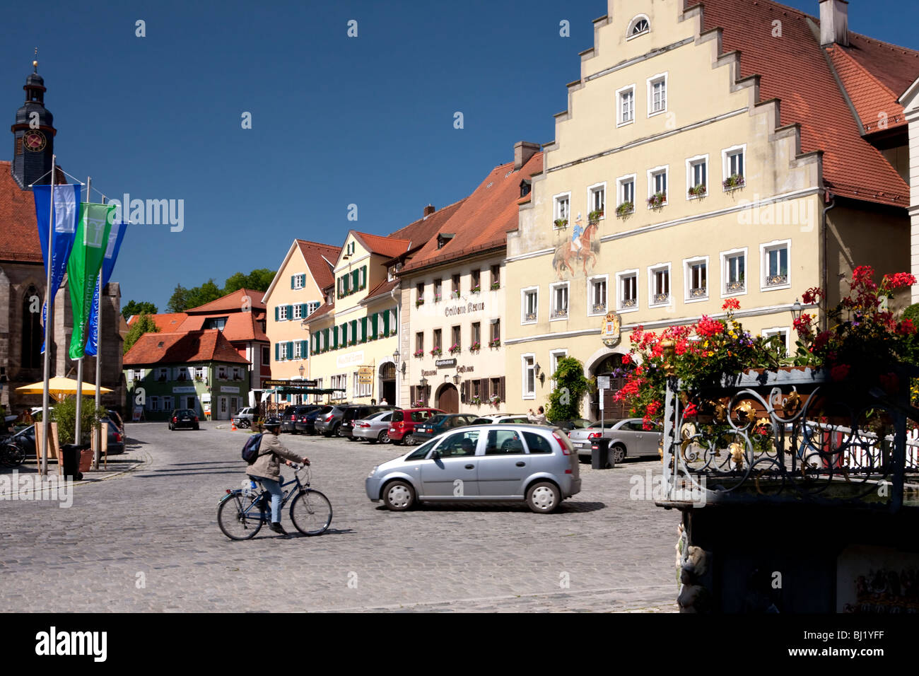 Streetscape Car People Stock Photos & Streetscape Car ...