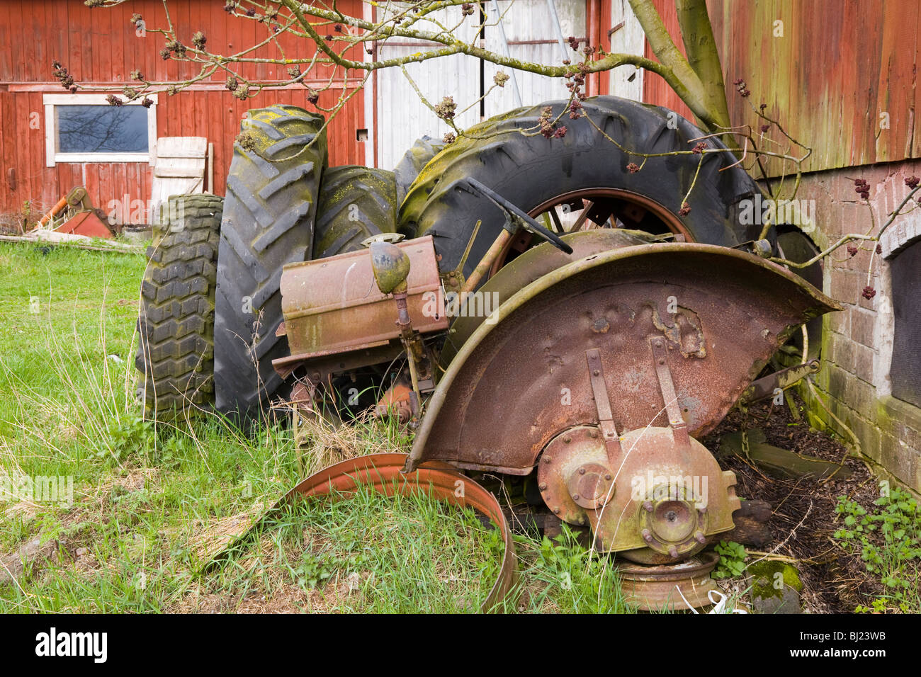 Old tractor parts Stock Photo: 28321143 - Alamy