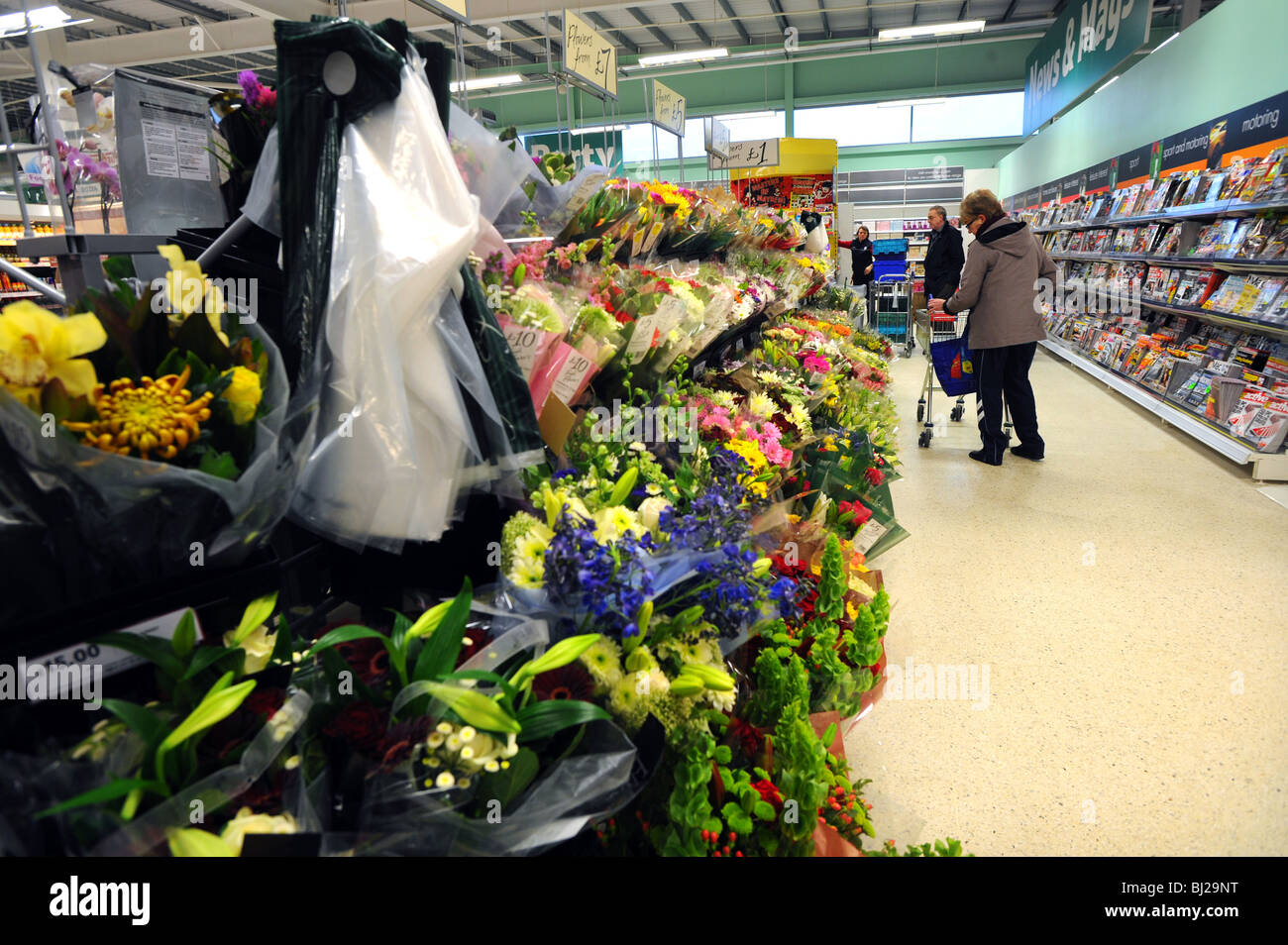 Bunches of flowers on sale in a Tesco superstore Stock Photo ...