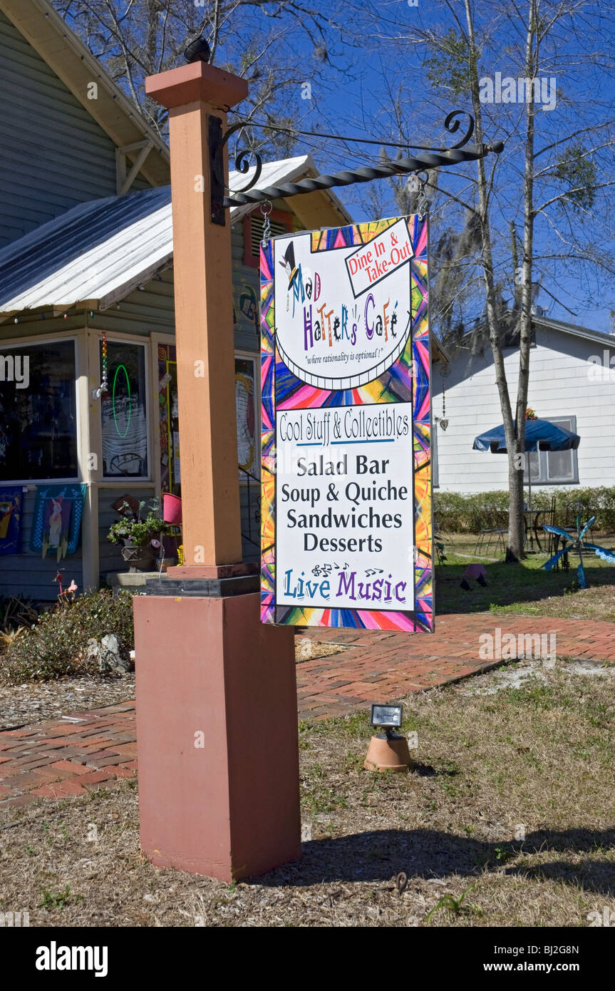 Mad Hatters cafe & collectibles High Springs Florida - Stock Image