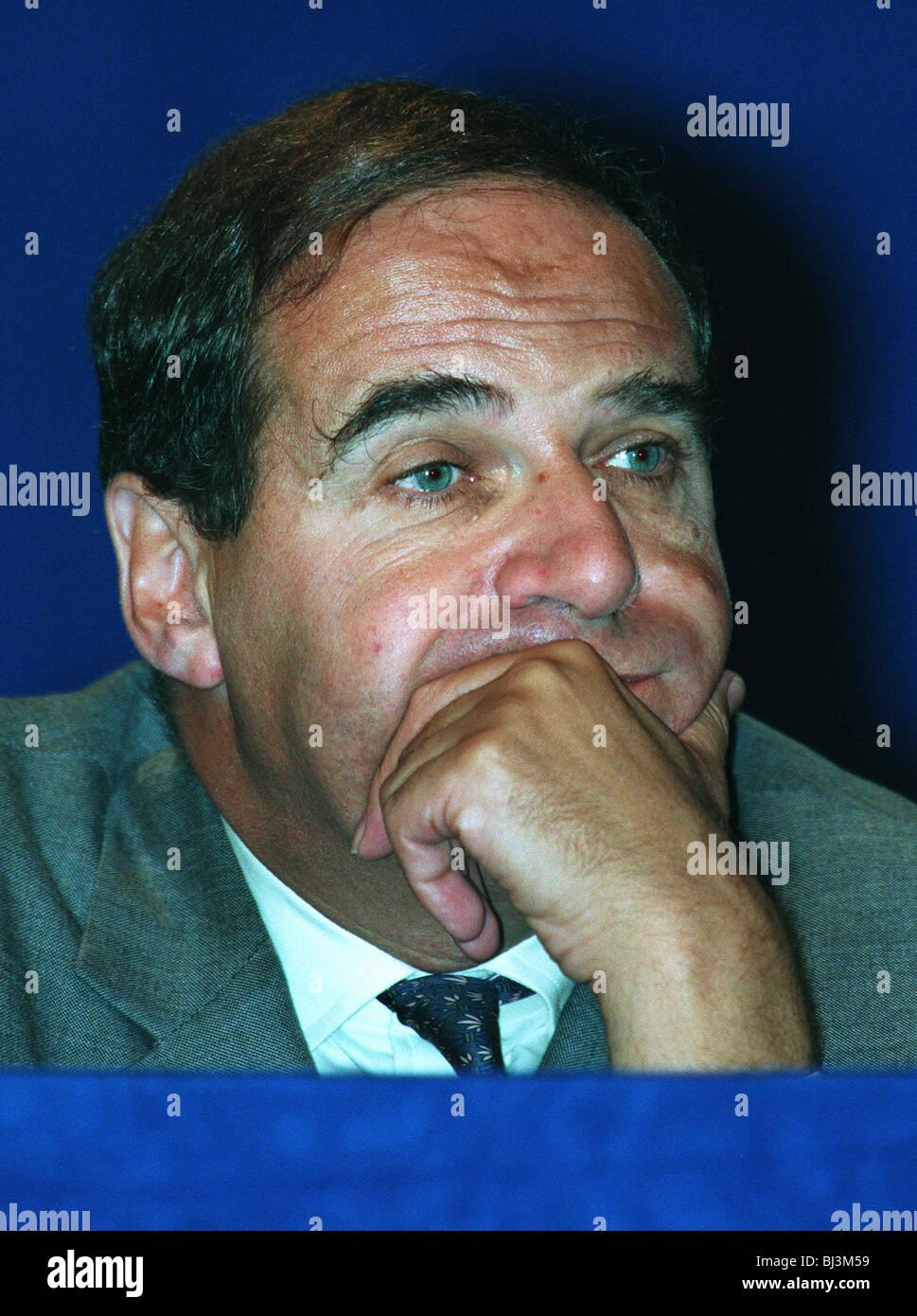 LEON BRITTON VICE CHAIRMAN OF THE EC 21 October 1994 - Stock Image