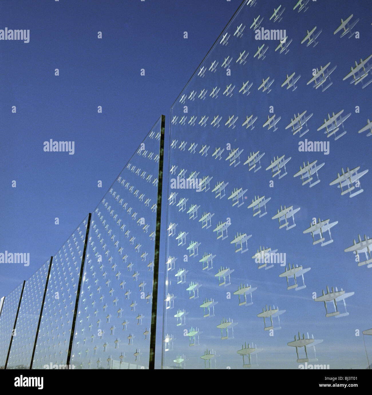 52 glass panels etched with the outlines of 7,031 aircraft missing in action flown by American air forces from Britain - Stock Image