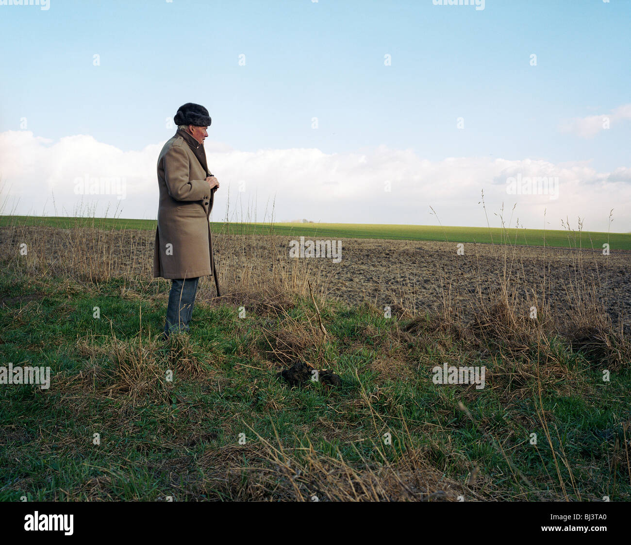 Brigadier Arthur Valerian Wellesley, the 8th Duke of Wellington, stands on the Waterloo battlefield near Hougemont - Stock Image
