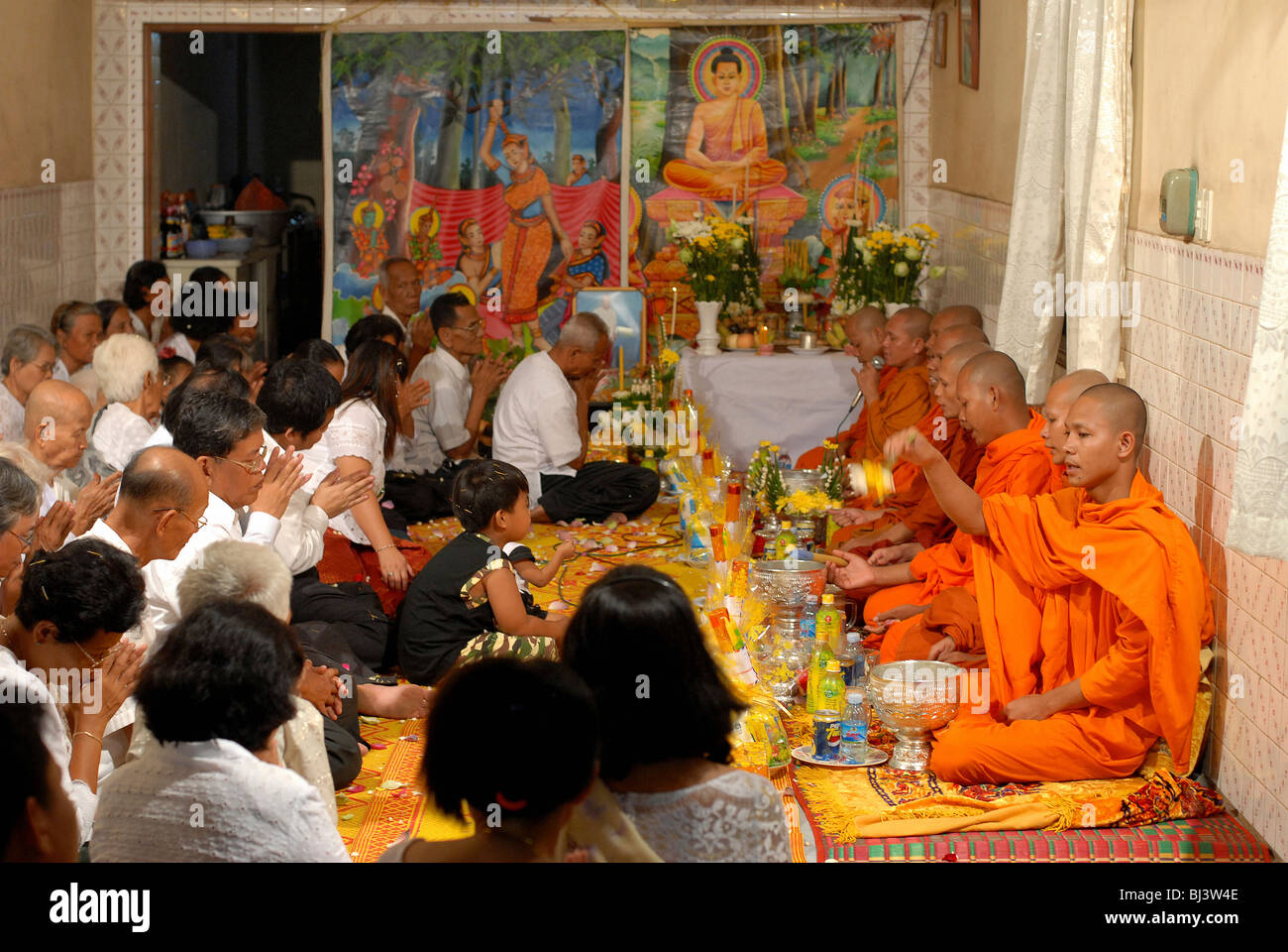 Buddhist mourning ceremony in a wealthy family, Phnom Penh, Cambodia - Stock Image