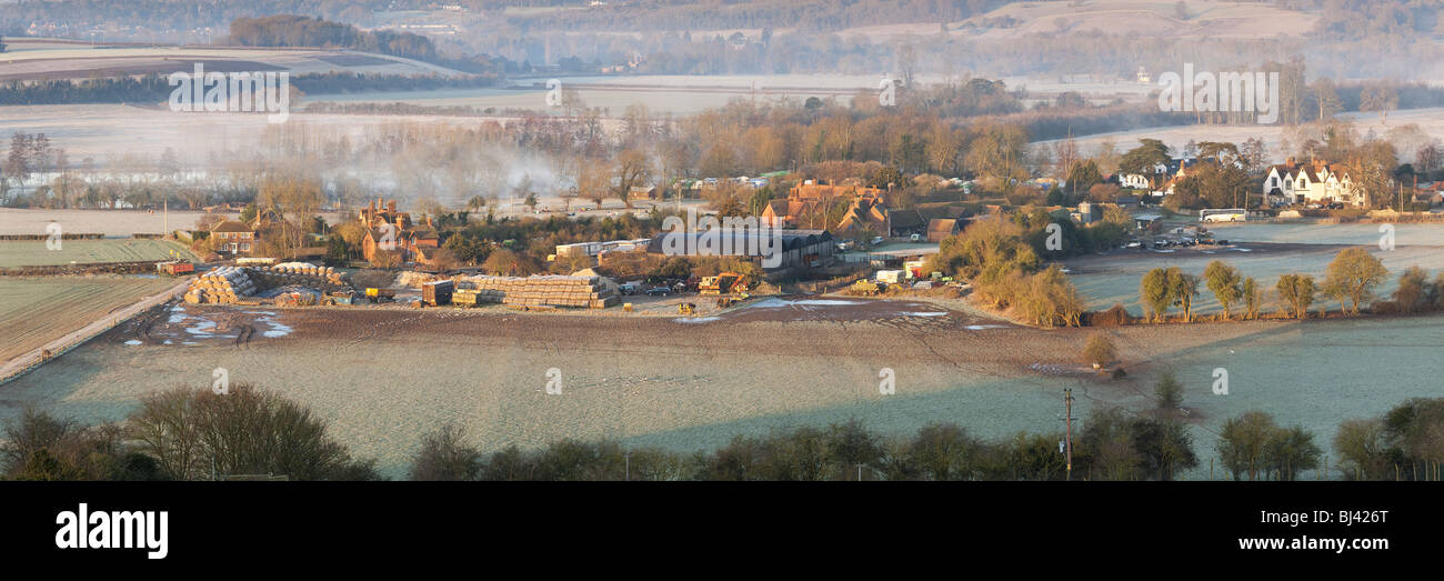 Dawn over the River Thames at Mill End and Hambleden Lock near Henley, Oxfordshire, UK - Stock Image