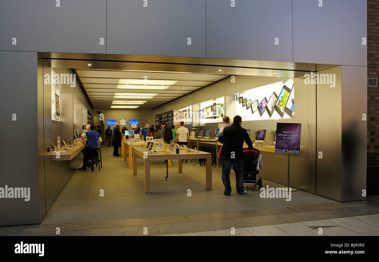 Apple store in the Touchwood Shopping Centre Solihull Birmingham UK Stock Photo