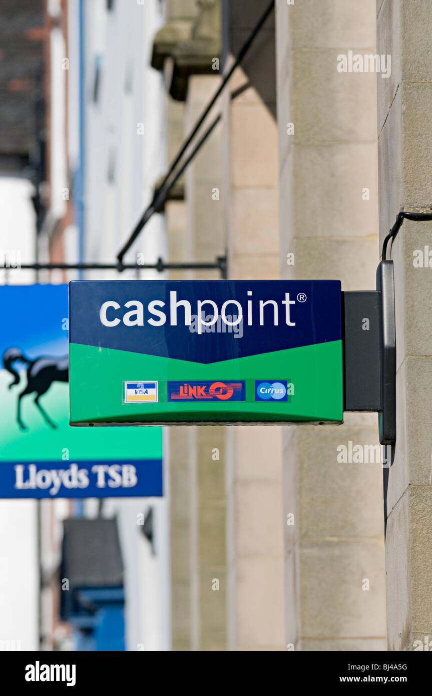 cashpoint sign of a lloyds bank in ludlow with visa cirrus and link atm - Stock Image