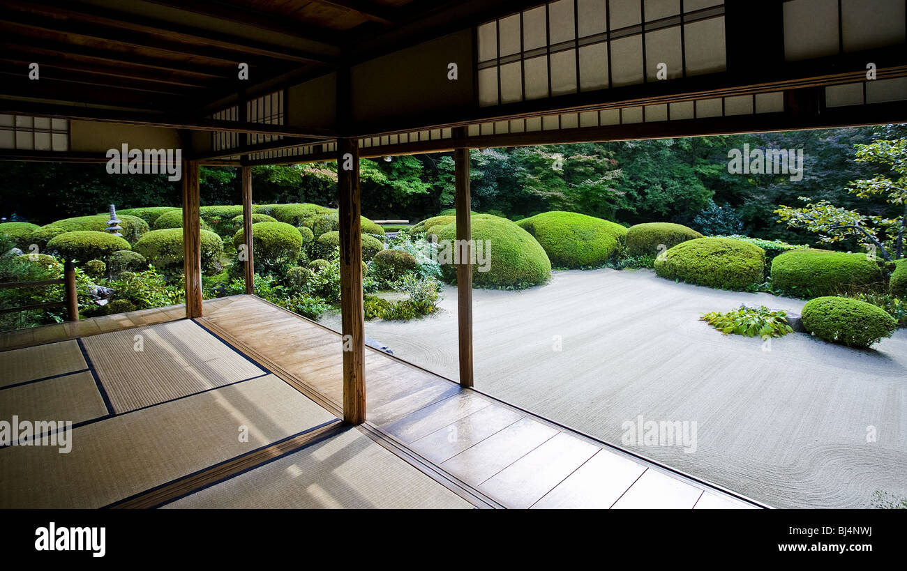 Shisendo temple. Built in 1641 by poet Jozan Ishikawa (1582-1672). It belongs to the Soto sect of Zen Buddhism. - Stock Image