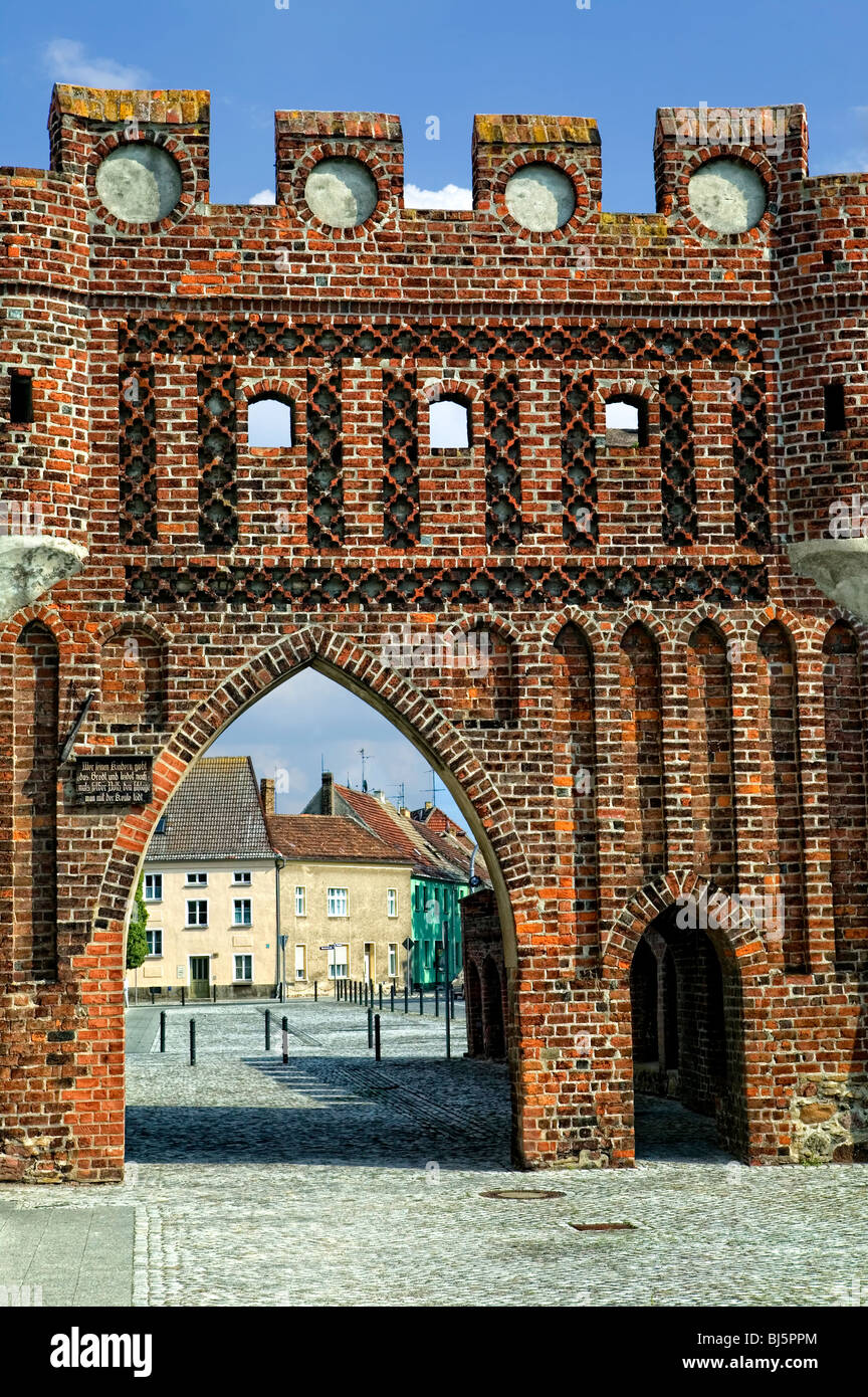 Old town fortifications with the Dammtor in Jueterbog, Jüterbog, Flaeming, Brandenburg, Germany - Stock Image