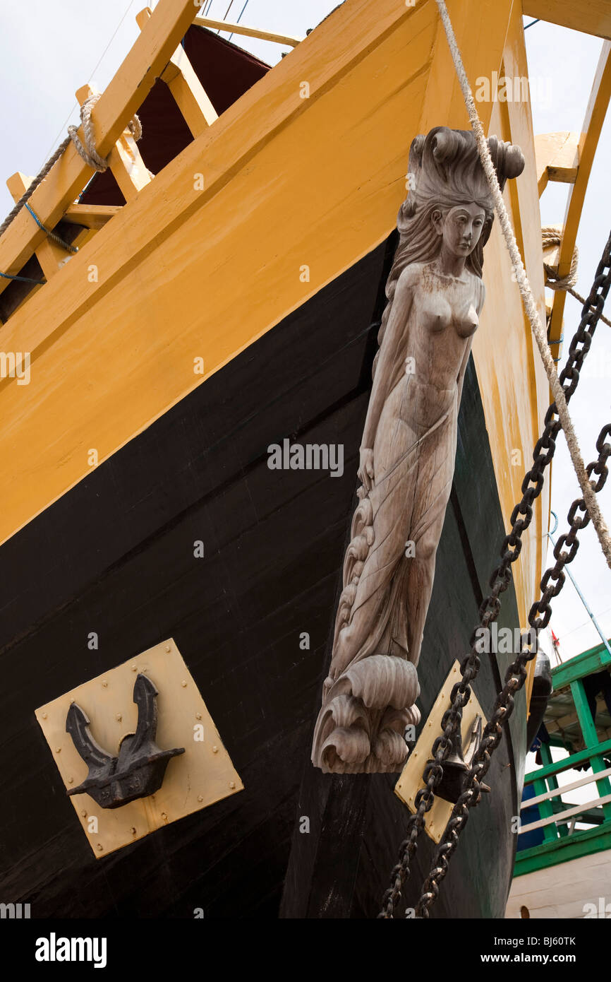 Indonesia, Java, Jakarta, old Batavia, Sunda Kelapa, traditional wooden sailing cargo boat figurehead - Stock Image