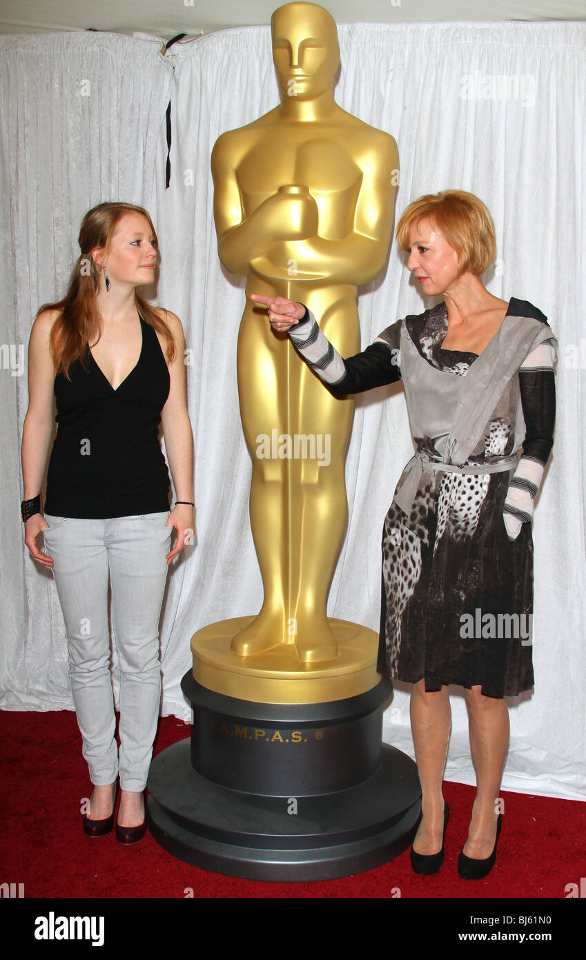 LEONIE BENESCH SUSANNE LOTHAR 82ND ACADEMY AWARDS FOREIGN LANGUAGE FILM AWARD DIRECTORS PHOTO OP HOLLYWOOD LOS ANGELES - Stock Image