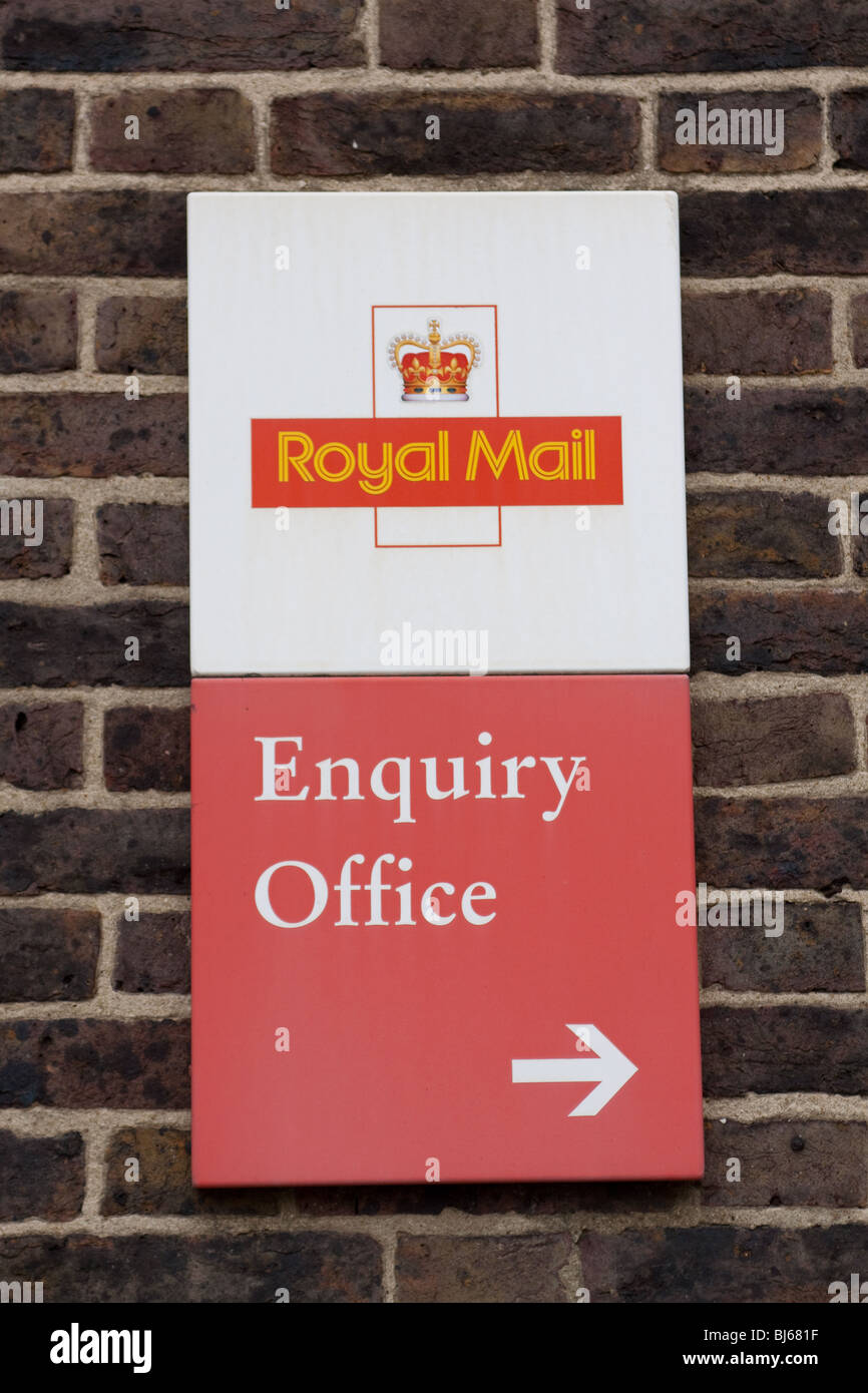 Woking Royal Mail Enquiry Office - Stock Image