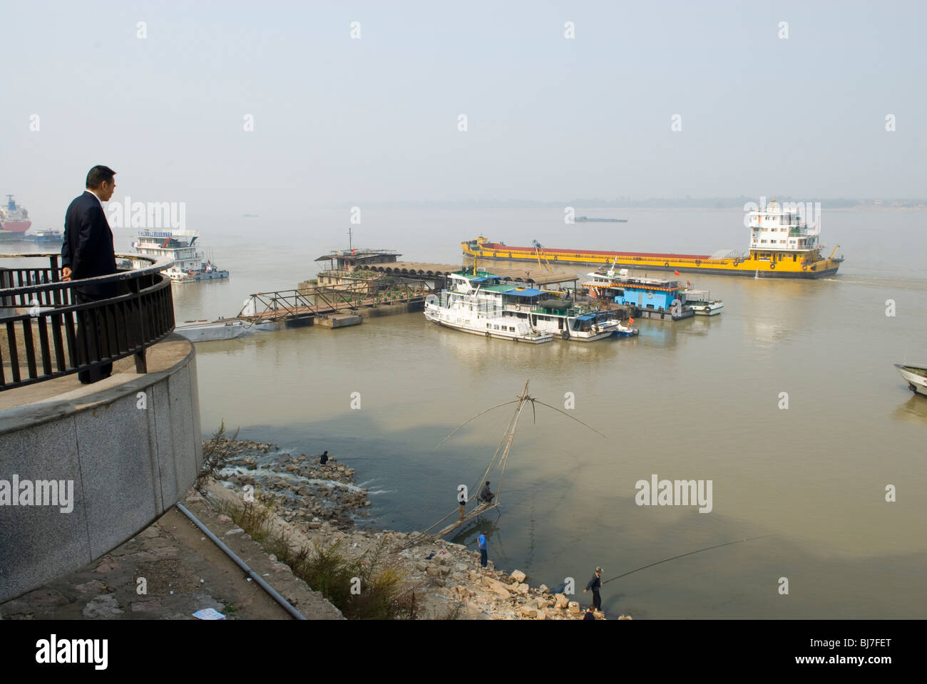 Navigation on the Yangzi river. Jiujiang,  Jiangxi province, China. - Stock Image