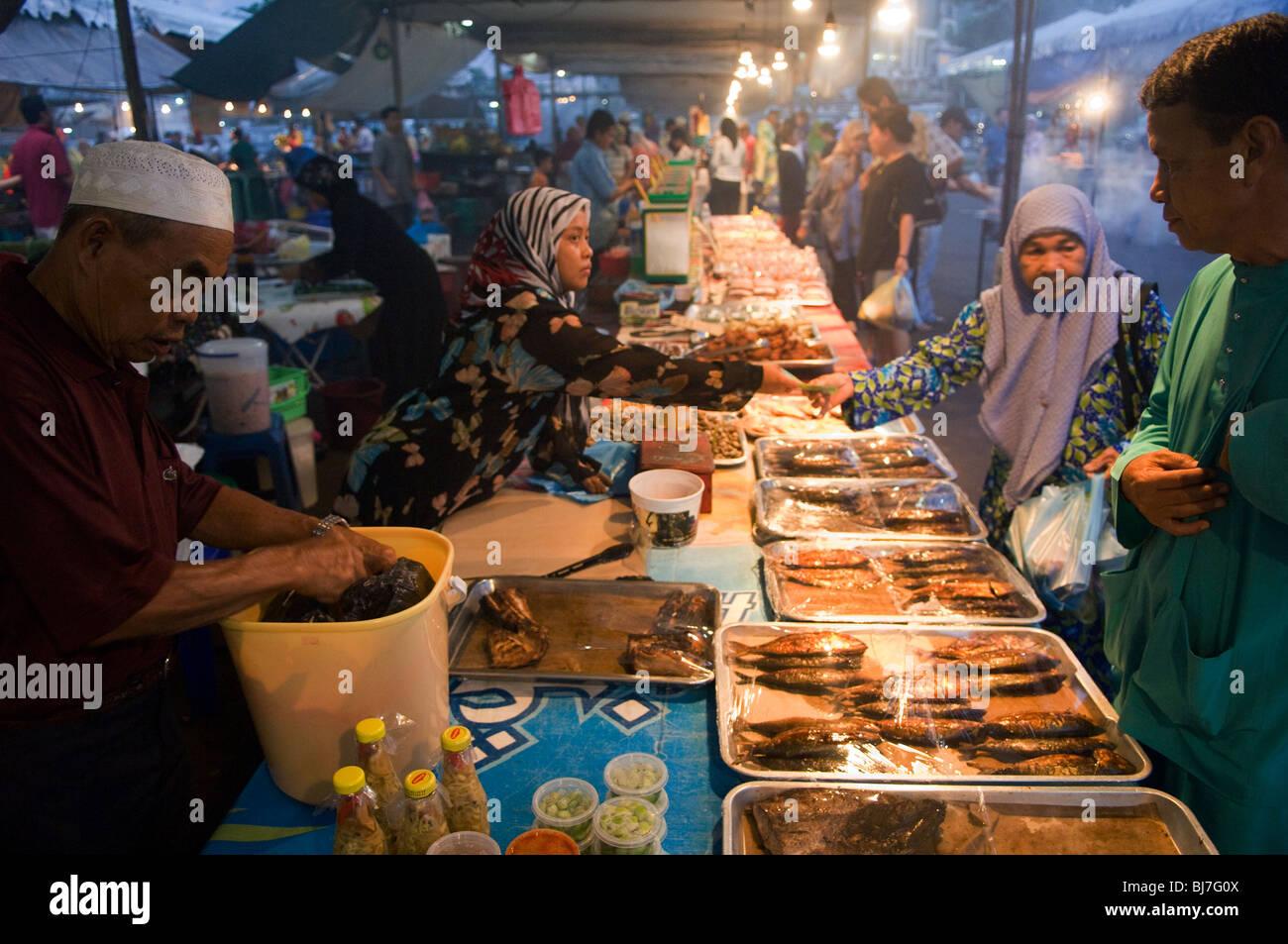 Local food market and traders, Bandar Seri Begawan, Brunei Darussalam - Stock Image