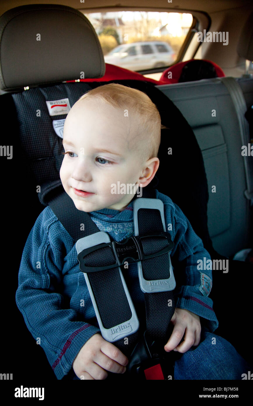 a89b0af62 2 year old boy in a child seat in New Jersey