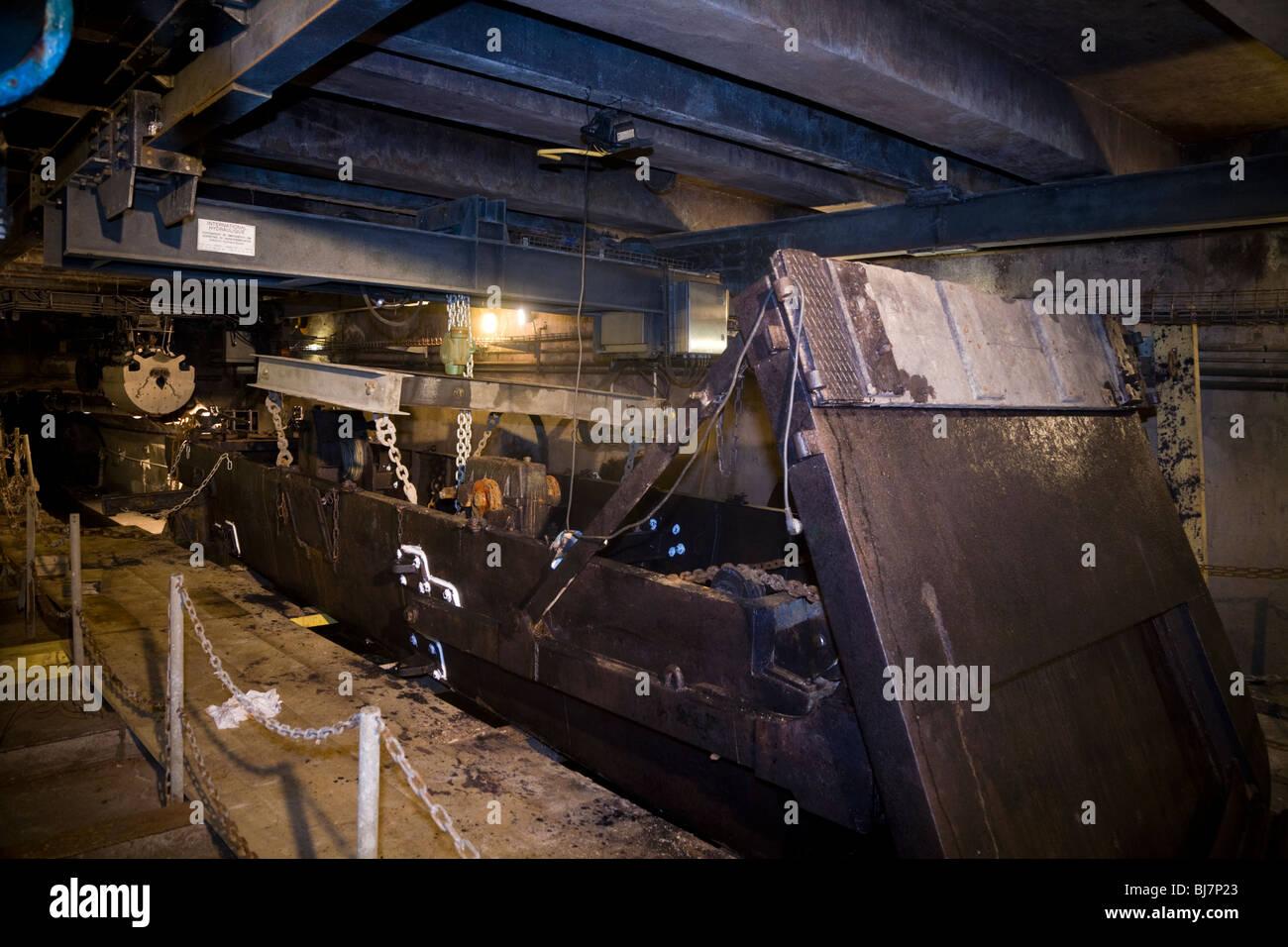 Floating sewer maintenance vehicle / boat inside Paris sewers – Visite Des Egouts De Paris / sewer museum visit - Stock Image