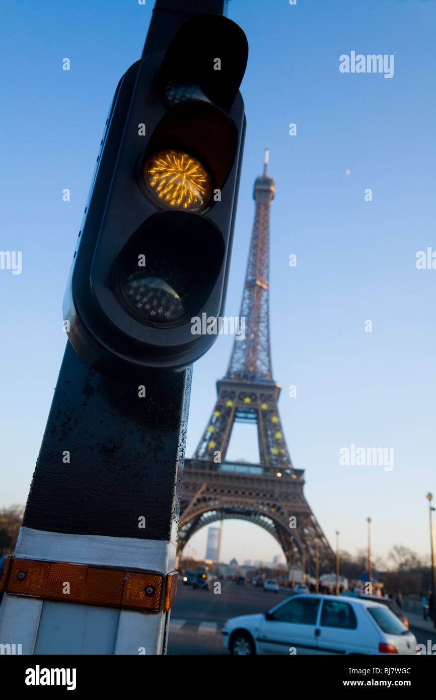 SIGNALING THE FRENCH: