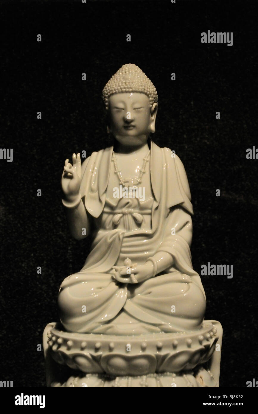 Chinese Blanc-de-Chine porcelain Buddha (Ch'ing dynasty, about 1840) at the Daytona Beach Museum of Arts and - Stock Image