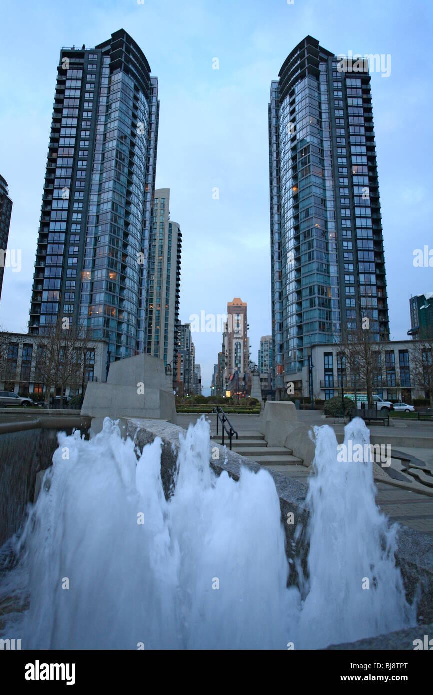 Hi-rises in Yaletown near False Creek, Vancouver, British Columbia - Stock Image