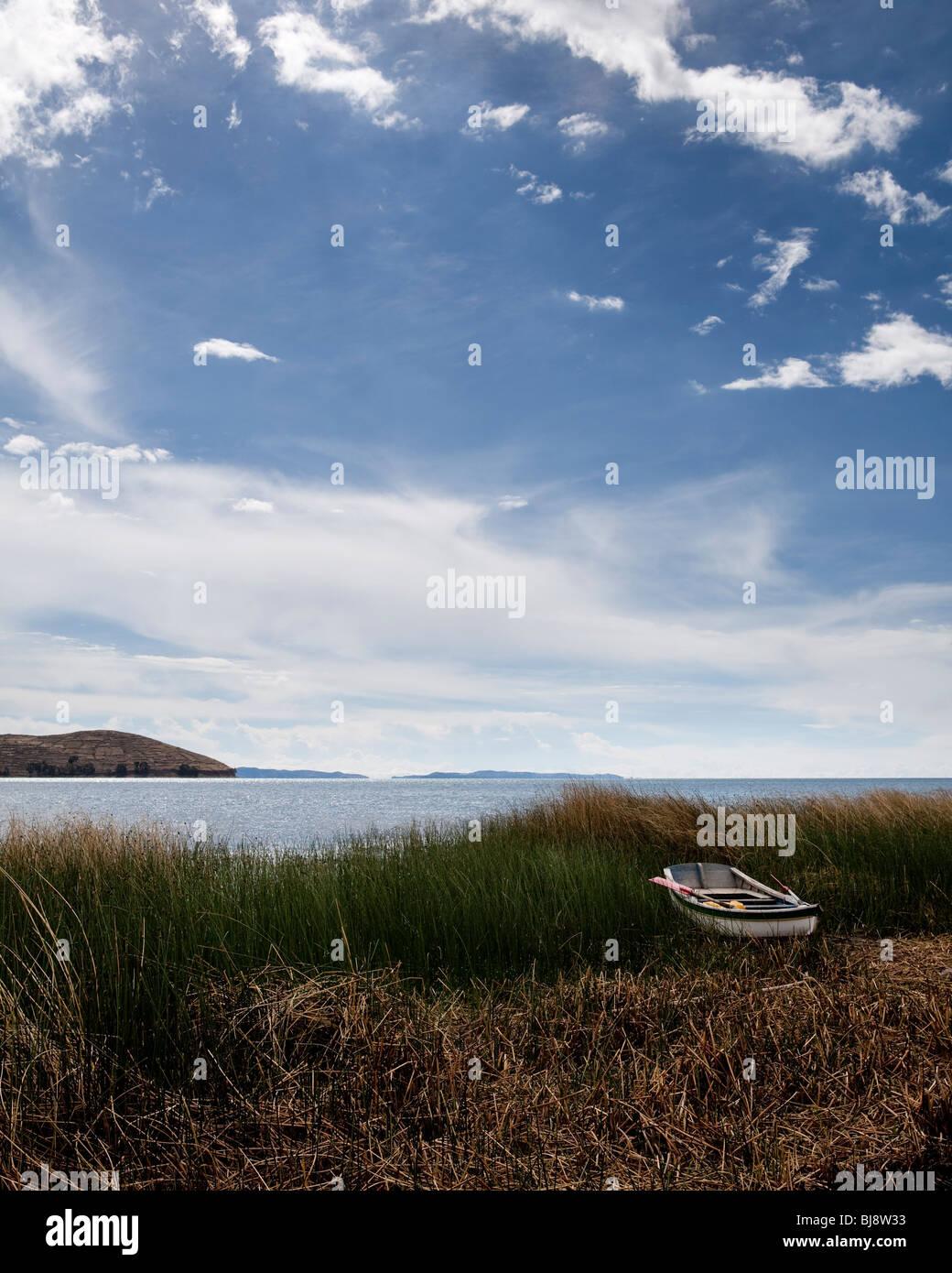 Boat by lake titikaka, bolivia, south america - Stock Image