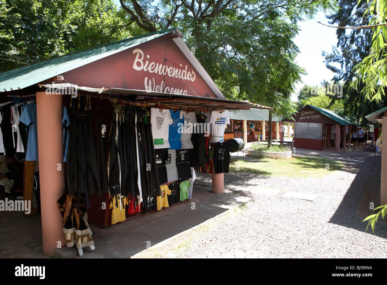 feria artesanal de la cuidad handicraft market Colonia Del Sacramento Uruguay South America - Stock Image