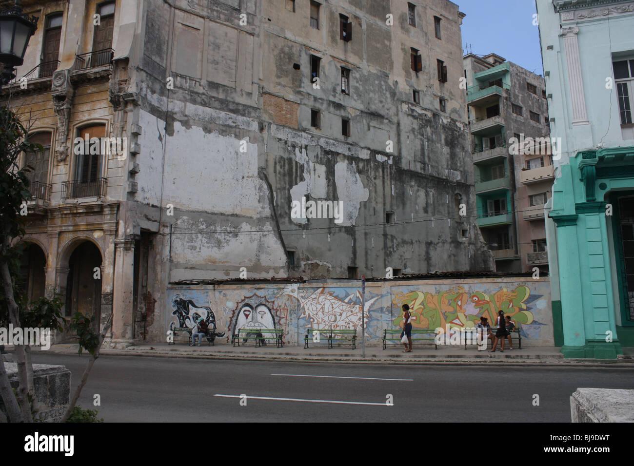 Decaying building in Havana - Stock Image