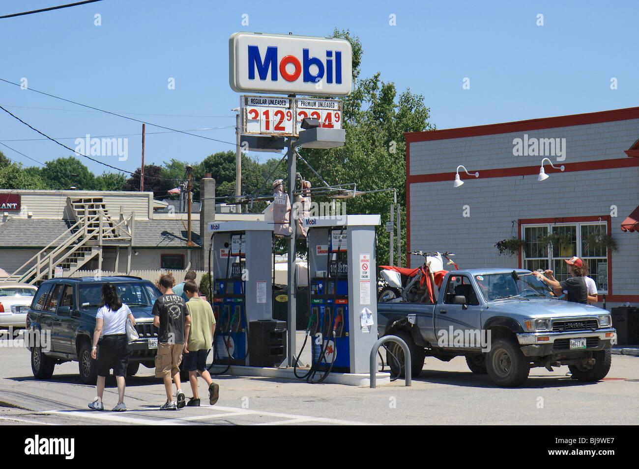 Petrol Company Stock Photos & Petrol Company Stock Images - Alamy