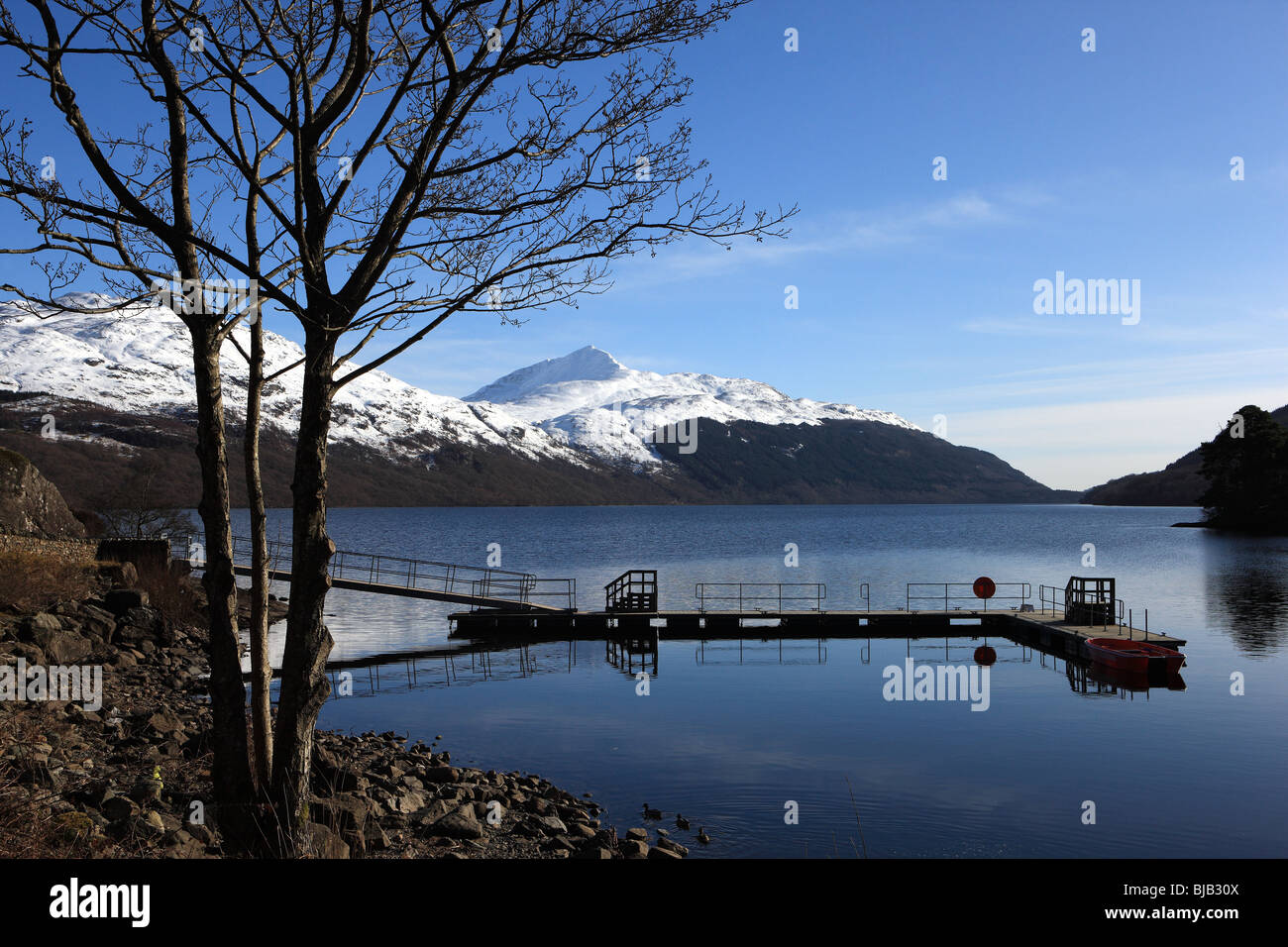 Loch Lomond from Inveruglas with a snow covered Ben Lomond in the background - Stock Image