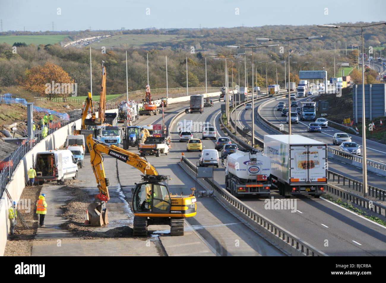M25 Motorway widening to four lanes - Stock Image