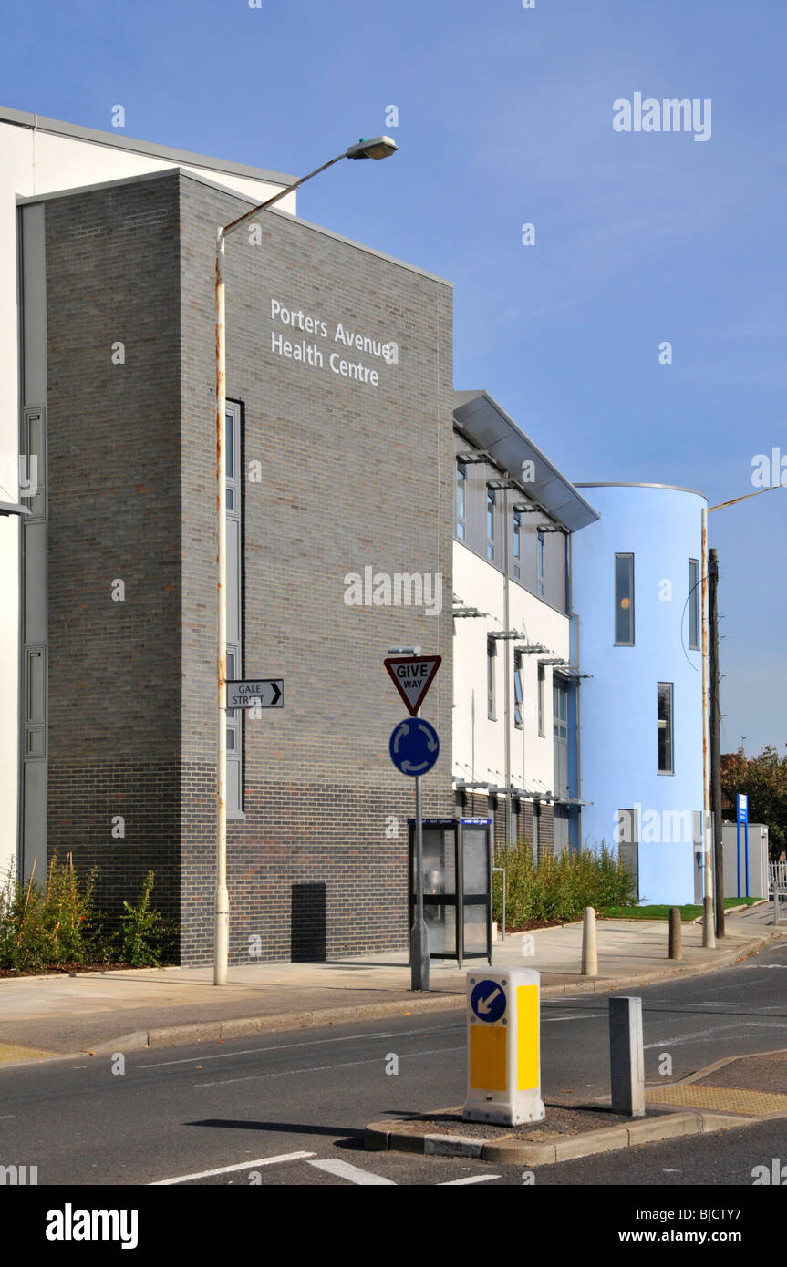 Health Centre on the Becontree Housing Estate run by Barking and Dagenham Primary Care Trust - Stock Image