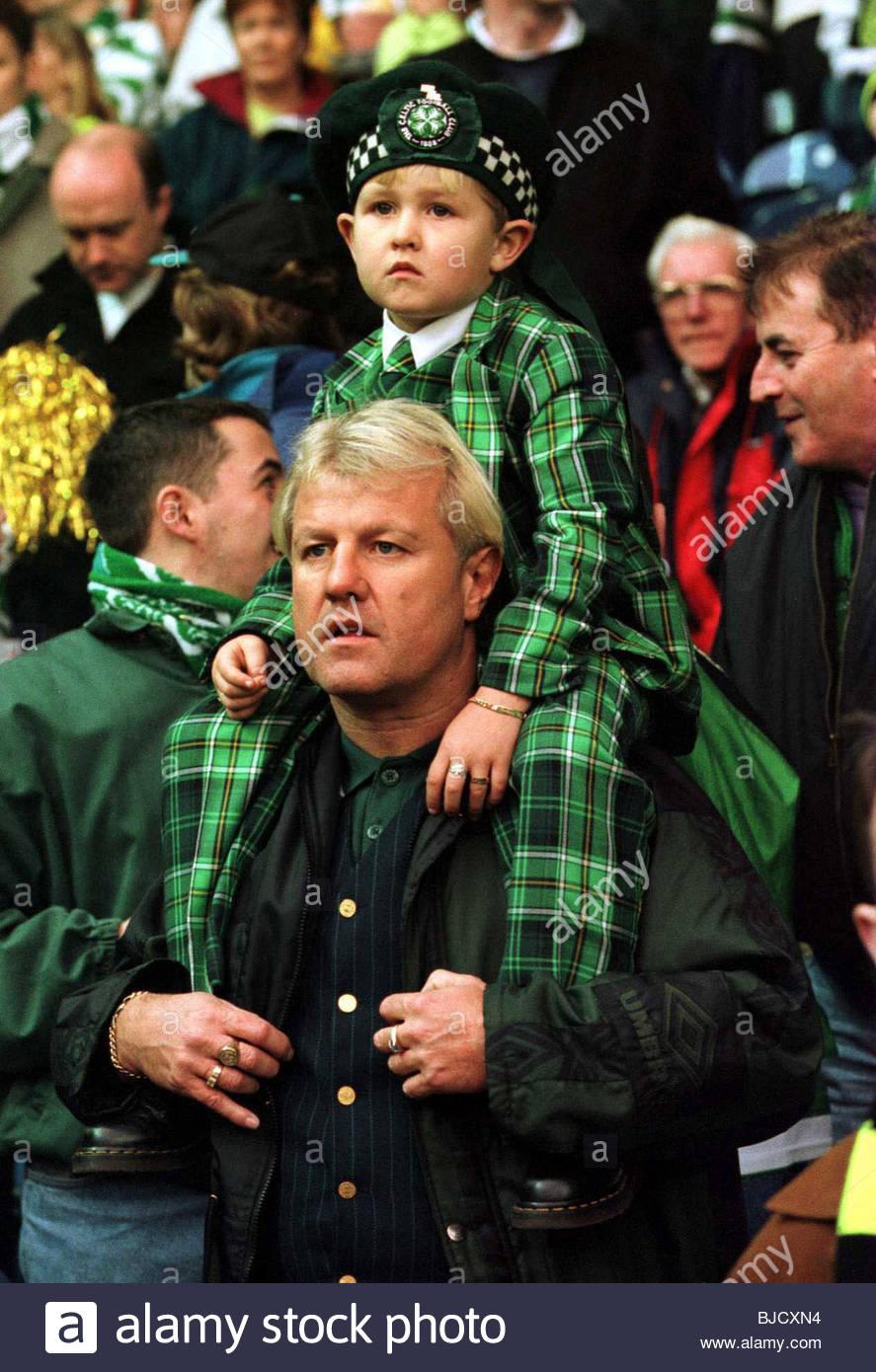SEASON 1998/1999 Celtic Fans - Stock Image