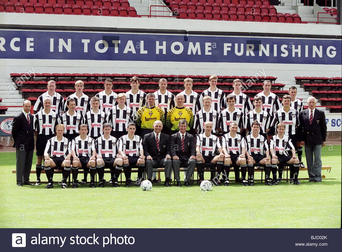 1998/1999 Dunfermline squad - Stock Image