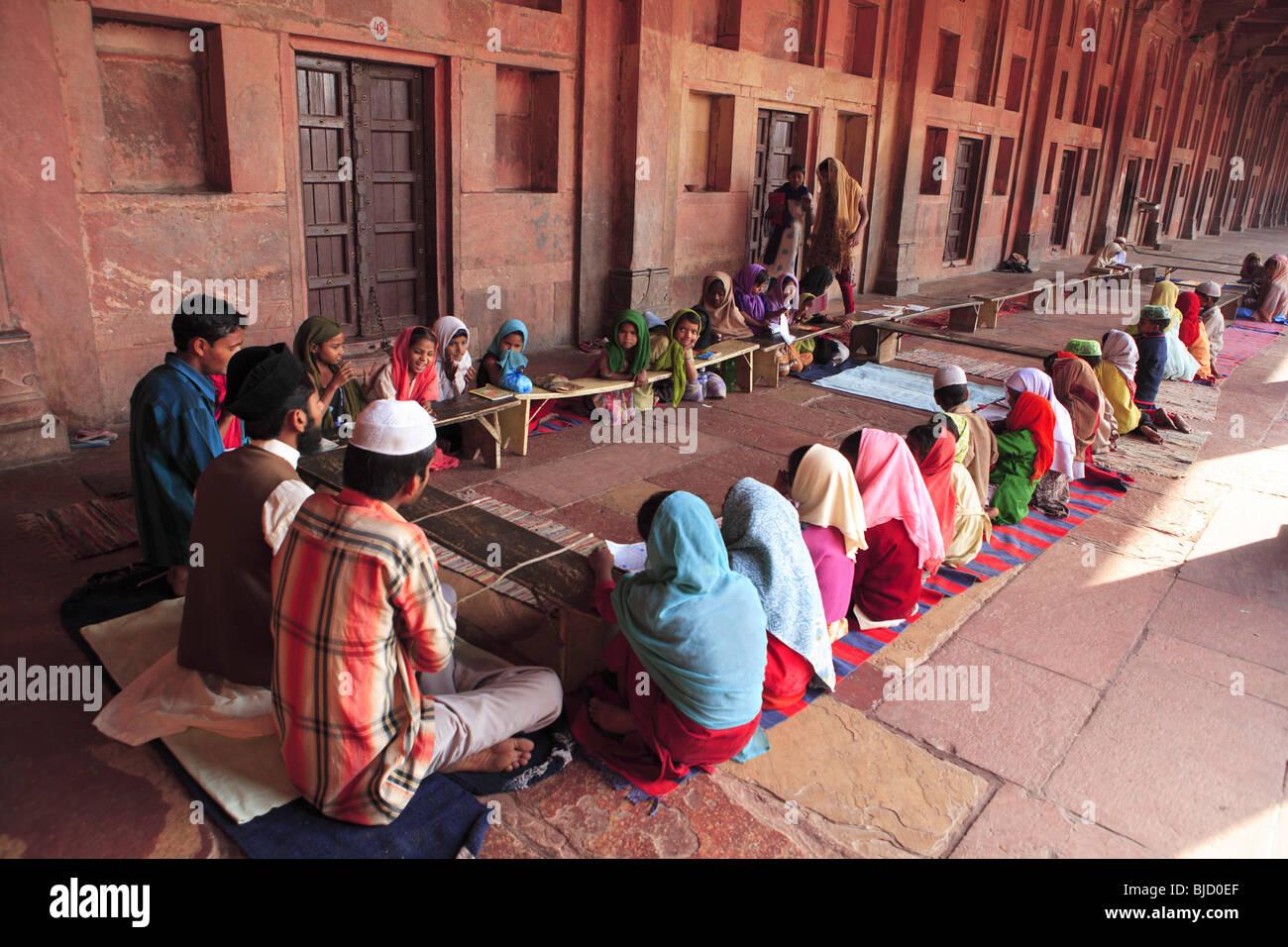 In Urdu Stock Photos & In Urdu Stock Images - Alamy