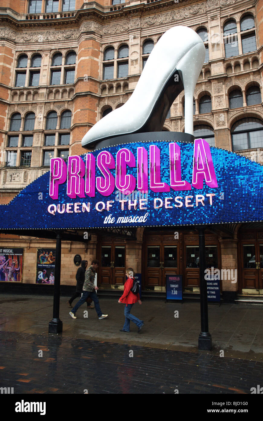 The Musical, Priscilla Queen of the Desert, Palace Theatre, Shaftsbury Avenue, London - Stock Image