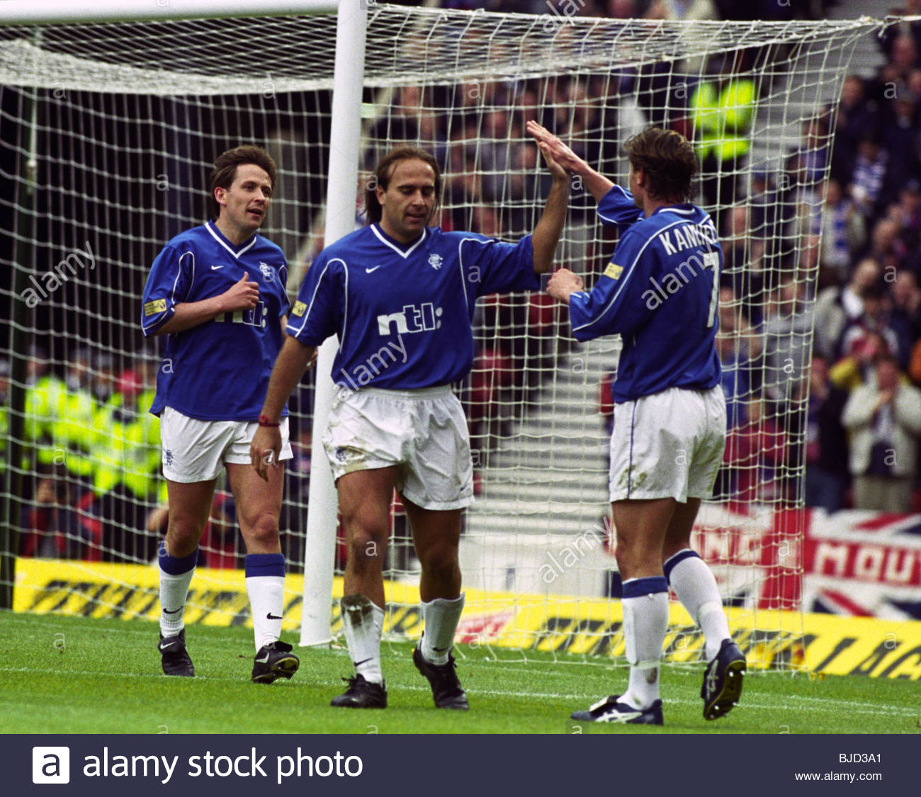 08/04/00 TENNENT'S SCOTTISH CUP SEMI-FINAL AYR UTD v RANGERS (0-7) HAMPDEN - GLASGOW Sebastian Rozental (centre) - Stock Image