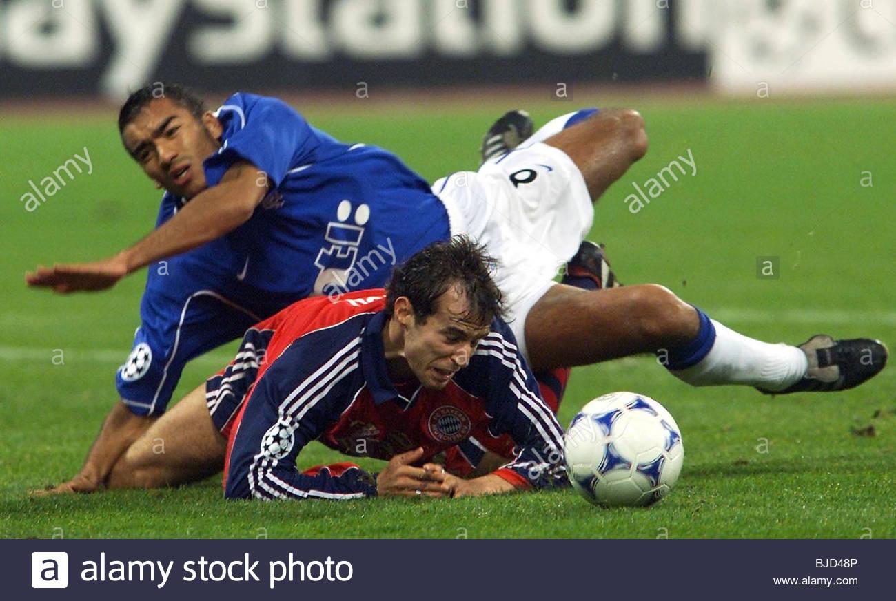 03/11/99 CHAMPIONS LEAGUE BAYERN MUNICH V RANGERS (1-0) OLYMPIC STADIUM - MUNICH Giovanni Van Bronckhorst concedes - Stock Image