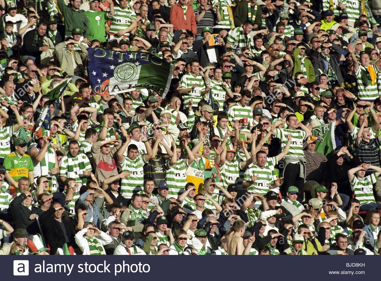 19/03/00 CIS CUP FINAL ABERDEEN V CELTIC (0-2) HAMPDEN - GLASGOW Celtic fans. - Stock Image