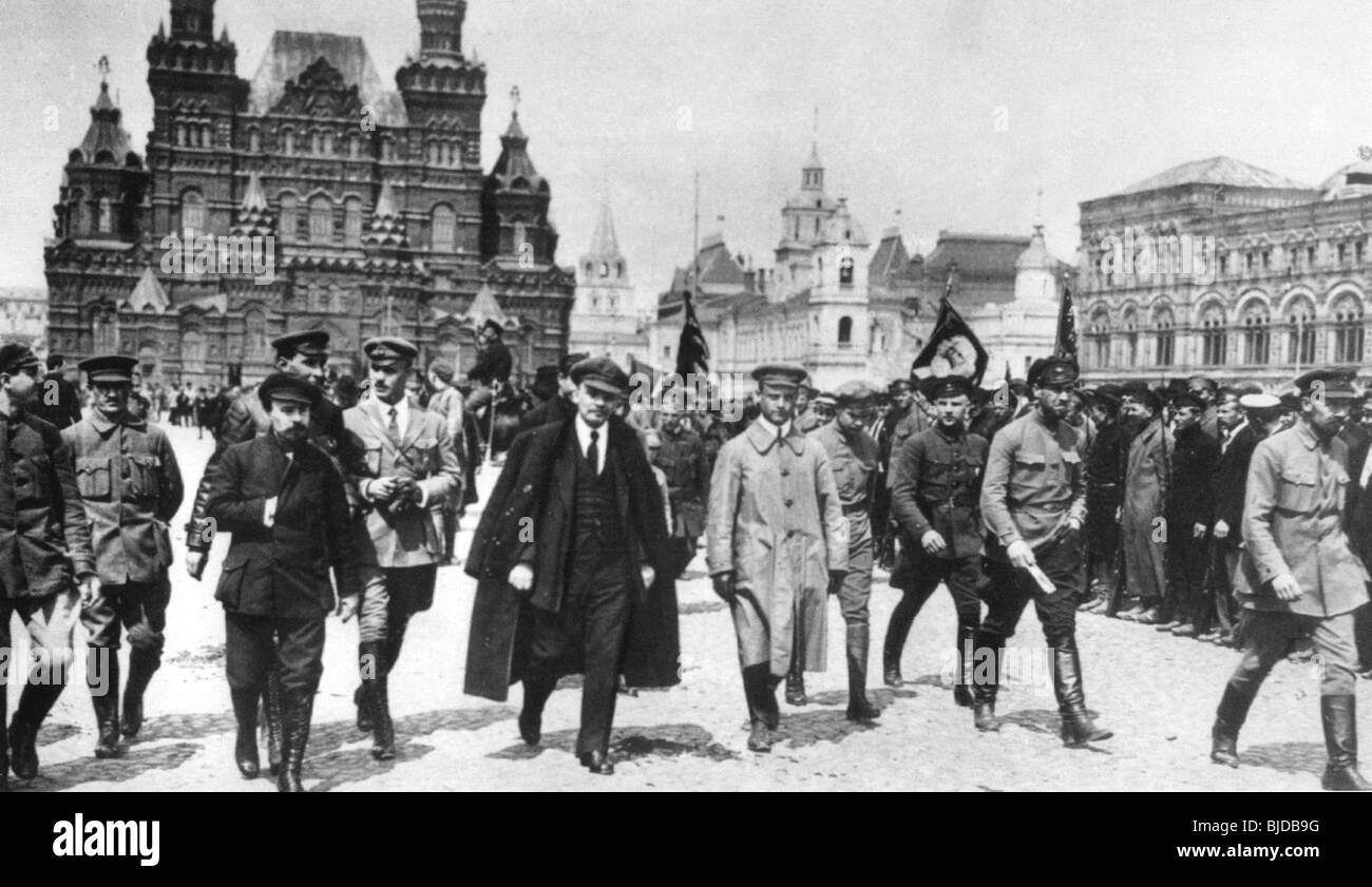 LENIN crosses Red Square in May 1919 accompanied by Red Army commanders Stock Photo